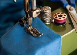sewing-machine-1369658_640