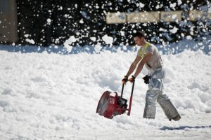 snow-thrower-951149_640